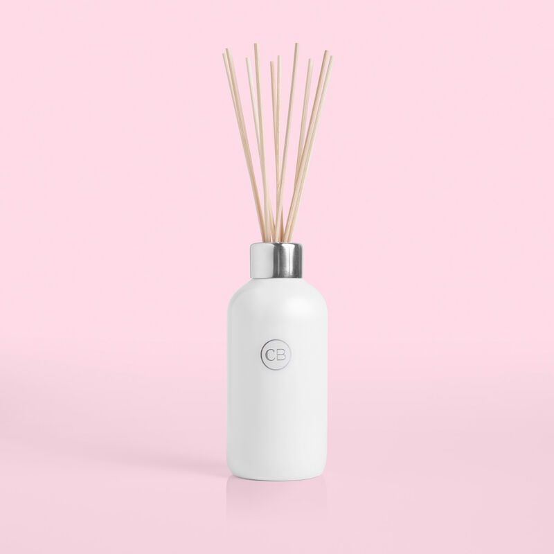 Volcano White Diffuser on pink background image number 1